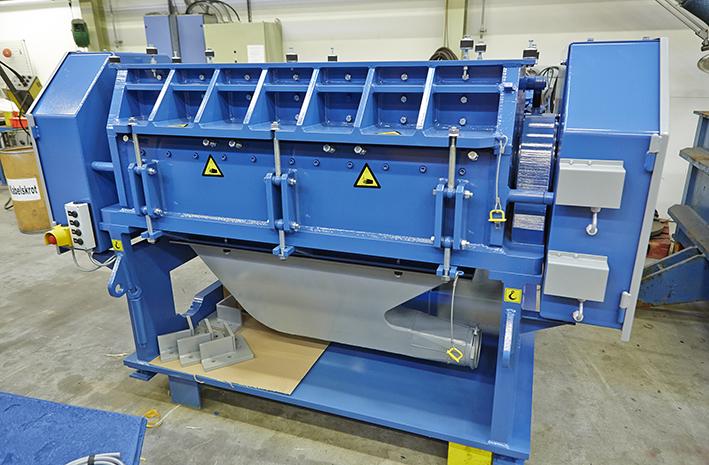 Fine Granulator for recycling of tyre, cable, aluminium or plastics.