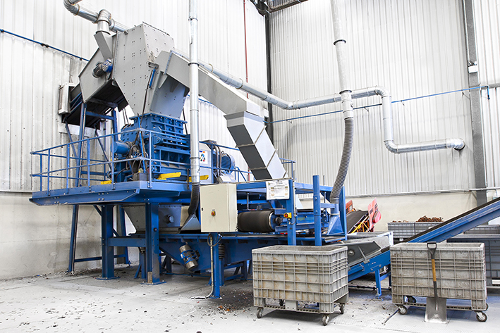 Eldan Ring Shredder for first size reduction